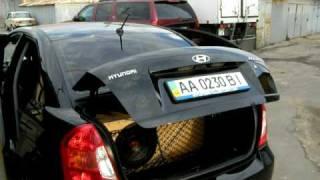Открытие багажника при помощи пружины Hyundai Accent