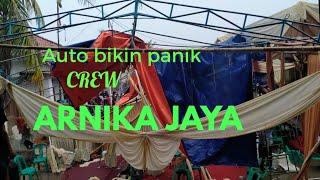 Detik2 tenda roboh didepan panggung Arnika jaya hingga gardu Listrik meLetus.