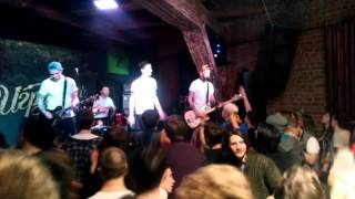 Іграшки - Фризбі (live in ZOCCOLO, Пітер, 22.03.2016)