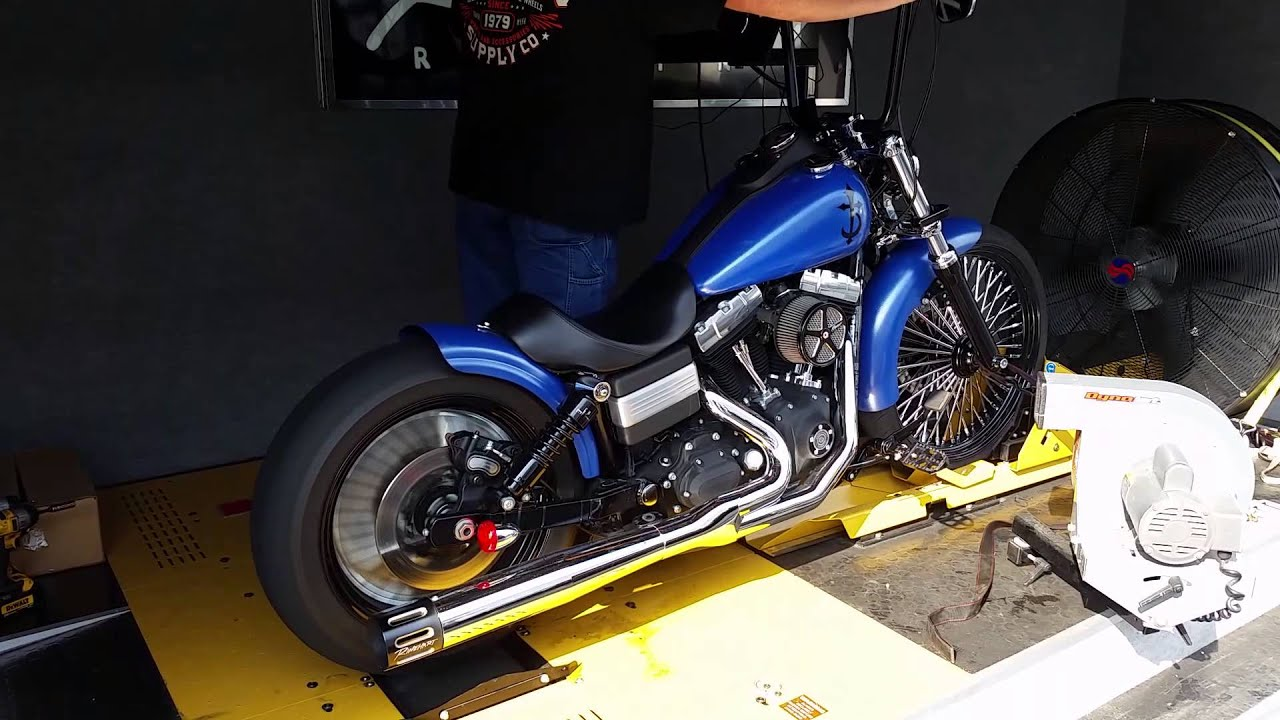 Harley Davidson Street Bob Lowered