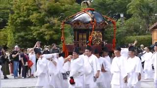 2652鎌倉鶴ヶ岡八幡宮例大祭:厳かに神輿の宮出しは古式蒼然 H29kmk1