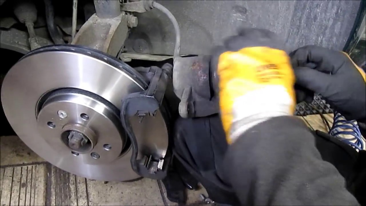 renault scenic front brakes replacement youtube. Black Bedroom Furniture Sets. Home Design Ideas