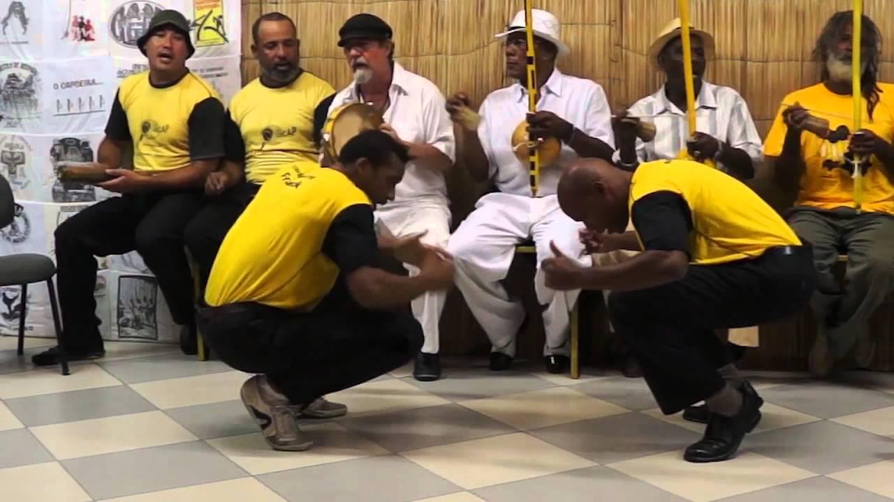 videos de capoeira angola