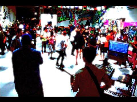 G Creature -  Live at Threadless HQ : Pedicab Street Art Show (6/14/14)