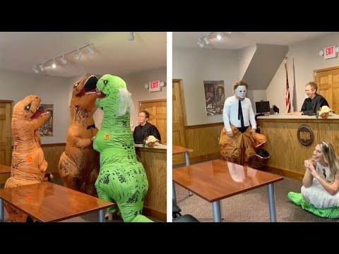 Unha voda de Halloween: disfrazados de T-Rex