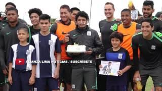 Menores de Alianza Lima sorprenden a Reimond Manco