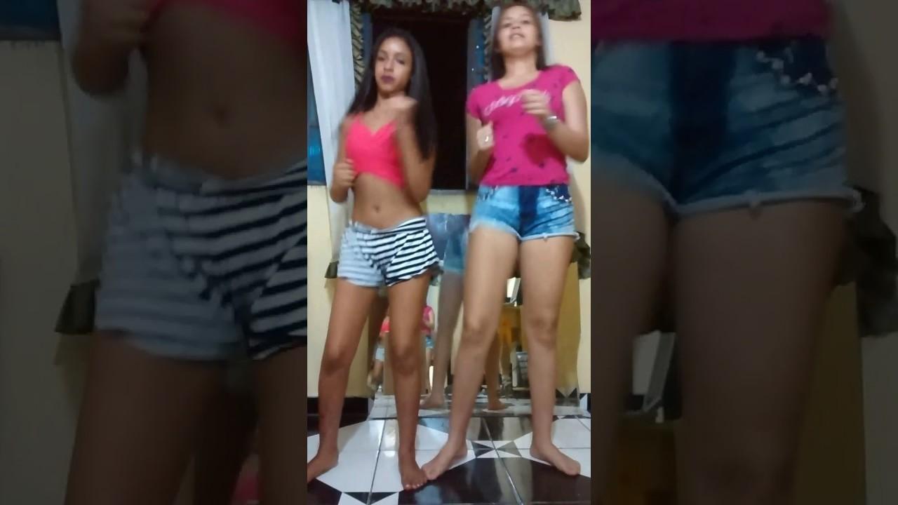 - Dançando Qual BumBum Mais Bate, Qual BumBum Mais Pula