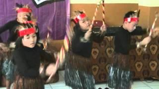 Video tarian Sajojo (Wisuda TK-B & Kls 6 Sekolah Dharma Surya tahun pelajarn 2014/2015) download MP3, 3GP, MP4, WEBM, AVI, FLV Agustus 2018