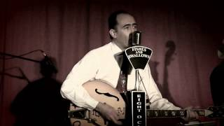 Chris Almoada & The Broken Hearts -  Everybody