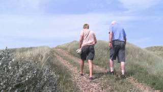 Tv klip Anne Vibeke Rejser   Henne Strand, på tur med købmand Hansen