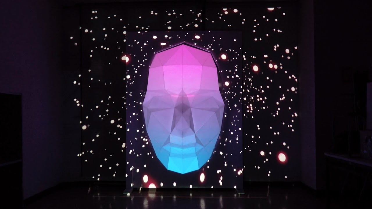face -sculpture projection mapping