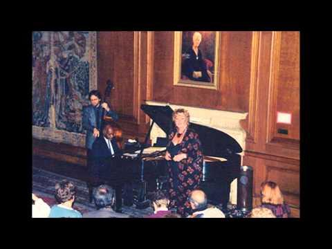 Rebecca Parris Sings