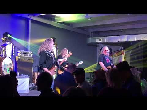The Kentucky Headhunters - Don't Let Me Down / Hey Jude outro Mp3
