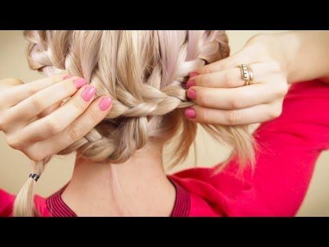 Прическа из двух косичек самой себе. Braiding on your own hair.