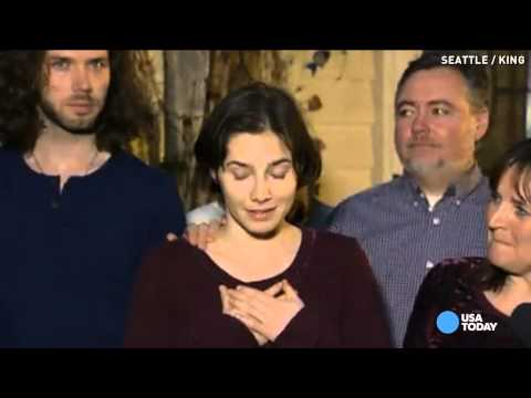 Amanda Knox in tears, speaks for 1st time after verdict