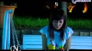 Wine Su khine Thein and Sai Sai (ဝိုင္းစုခိုင္သိန္း - ခ်စ္ခ့ဲတာလား၊ ရူးခ့ဲတာလား) Karaoke