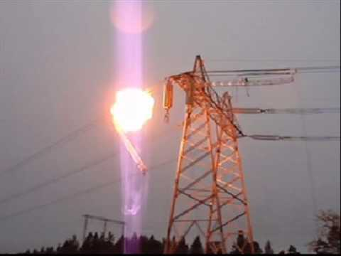 Overhead power line: detonation of implosive ''dead-end'' joint