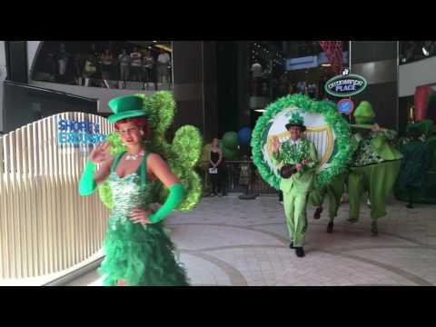Harmony of the Seas Promenade Parade