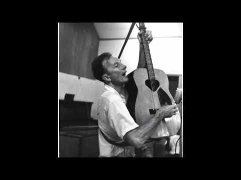 Roots of American Folk Music / Pete Seeger - At The  National Czech Radio - Studio Recording  1964