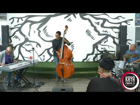 Aaron Rimbui Performs 'The Garden' Live...
