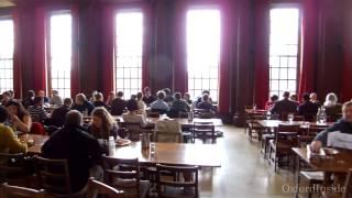 40. Столовая в Самервилл Колледже. Dining Hall in Somerville College Oxford University. OxfordInside