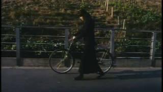 Yumiko (Esumi Makiko) and Ikuo (Asano Tadanobu) are a young Osaka c...