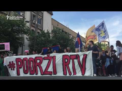 Serb Protesters March To Support Regional TV Staff