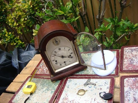 AN Old  Antique Vintage Small  8 Day Westminster Mantle Clock