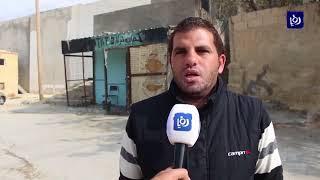 سكان حي البحرات يشتكون من تصدعات في جدار استنادي بجانب منازلهم