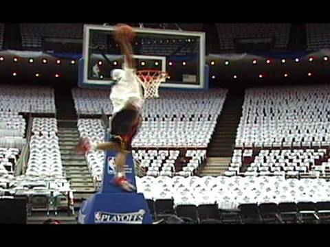 """TFB::Dunks:: 5'9"""" Dunk Legend """"TDUB"""" Breaks out a NEW DUNKS at Amway Arena!!"""