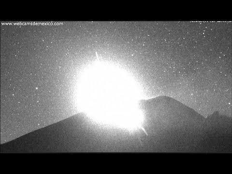 ثوران بركان في المكسيك يضيء السماء  - نشر قبل 2 ساعة