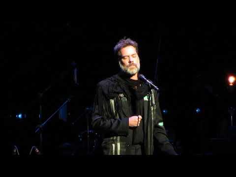 "Rufus Wainwright sings ""Blue"" at Joni Mitchell's 75th Birthday Celebration 11-7-18"