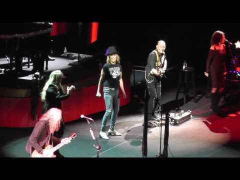 Stevie Nicks & Chrissie Hynde Stop Draggin My Heart Around 2016