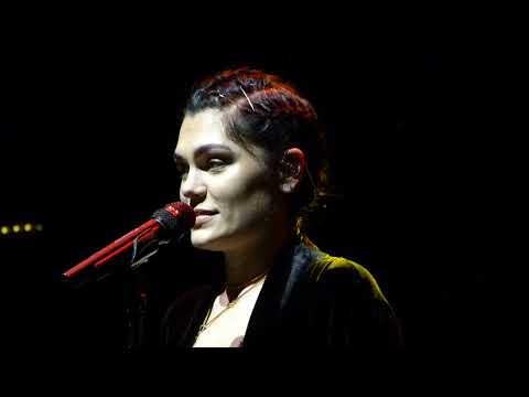 Jessie J - Nobody's Perfect live Albert Hall, Manchester 09-10-17