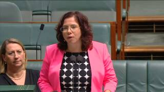Amanda Rishworth MP: Pyne needs to scrap his unfair higher education changes