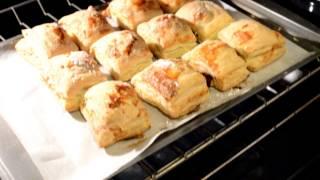 Delicious Cuban Guava Pastries - Pastelitos de guayava