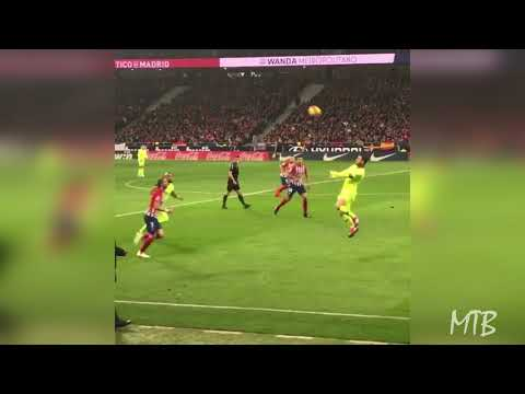 Lionel Messi Mindblowing Ball Control Nutmeg ● How Is This Possible?