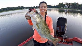 HUSBAND VS. WIFE BUZZBAIT FISHING CHALLENGE!!