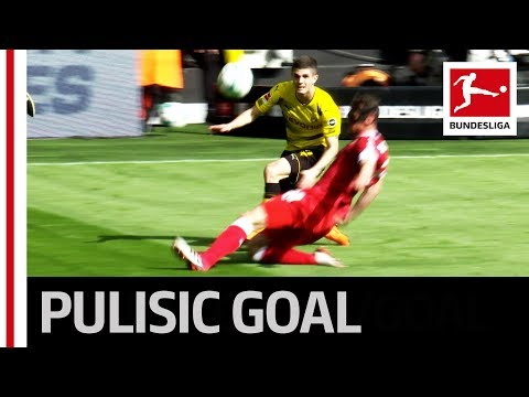 Pulisic scores unlikely goal in dortmund win - cross turned shot