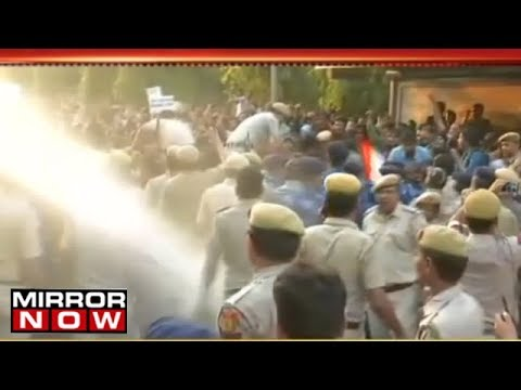 JNU Students BEATEN Up By Delhi Police - Water Canons Used
