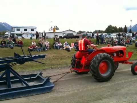 Colony Days Antique Power Club Tractor Pull, Palmer Alaska