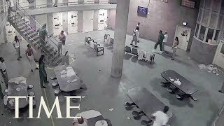 Fight At Cook County Jail In Chicago Leaves 16 Inmates Facing Mob Action Charges | TIME