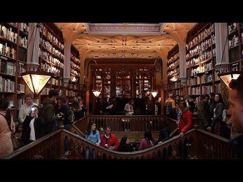 Livraria Lello: 113 anos de livros, história e... turismo