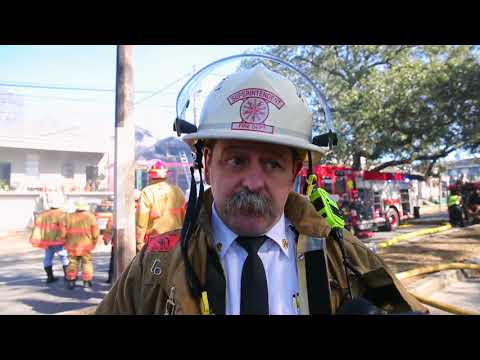 a-dozen-people-and-their-pets-displaced-in-new-orleans-fire