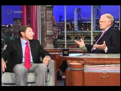 Joe Namath Talks Topps Football Cards on David Letterman (Aug 30 2011)