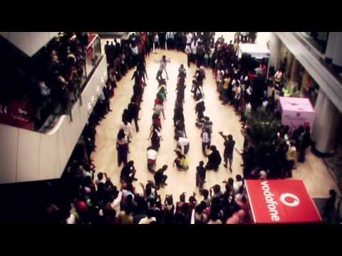 VIZAG Flash Mob - CMR Central (Original Video) (HD Video) :: www.Espikes09.blogspot.com