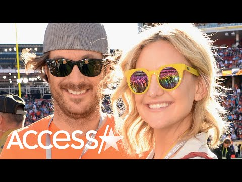 Kate And Oliver Hudson Kick Off Thanksgiving With Silly 'Turkey Trot' Dance