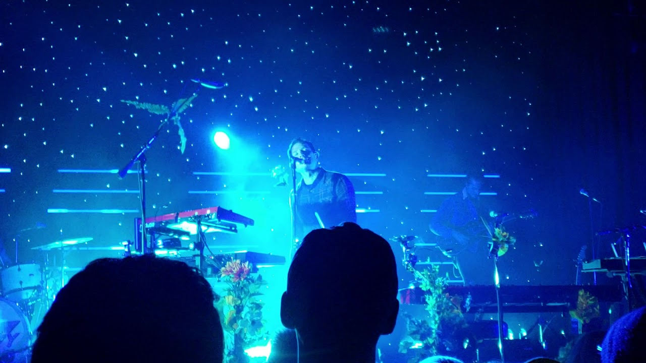 Fiji Water Owl City Cinematic Tour  ( House Of Blues ) Chicago Illinois