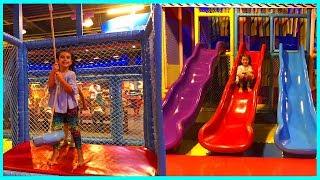 Renkli Kaydıraklar, Salıncaklar Bu Kapalı Çocuk Parkı Harika l Outdoor Playground For Kids