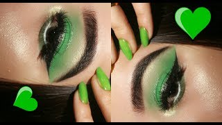 GREEN SMOKEY EYE WITH GLITTER EYELINER EASY